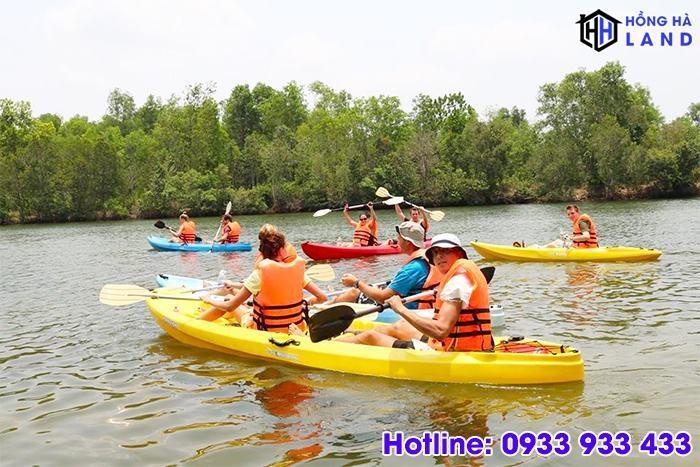 Cheo-thuyen-kayak-tai-dao-phu-quoc