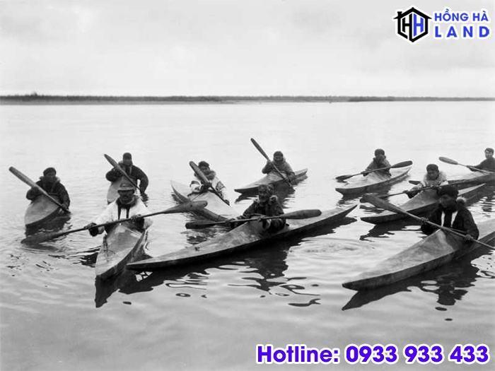 Lich-su-ra-doi-cua-thuyen-kayak